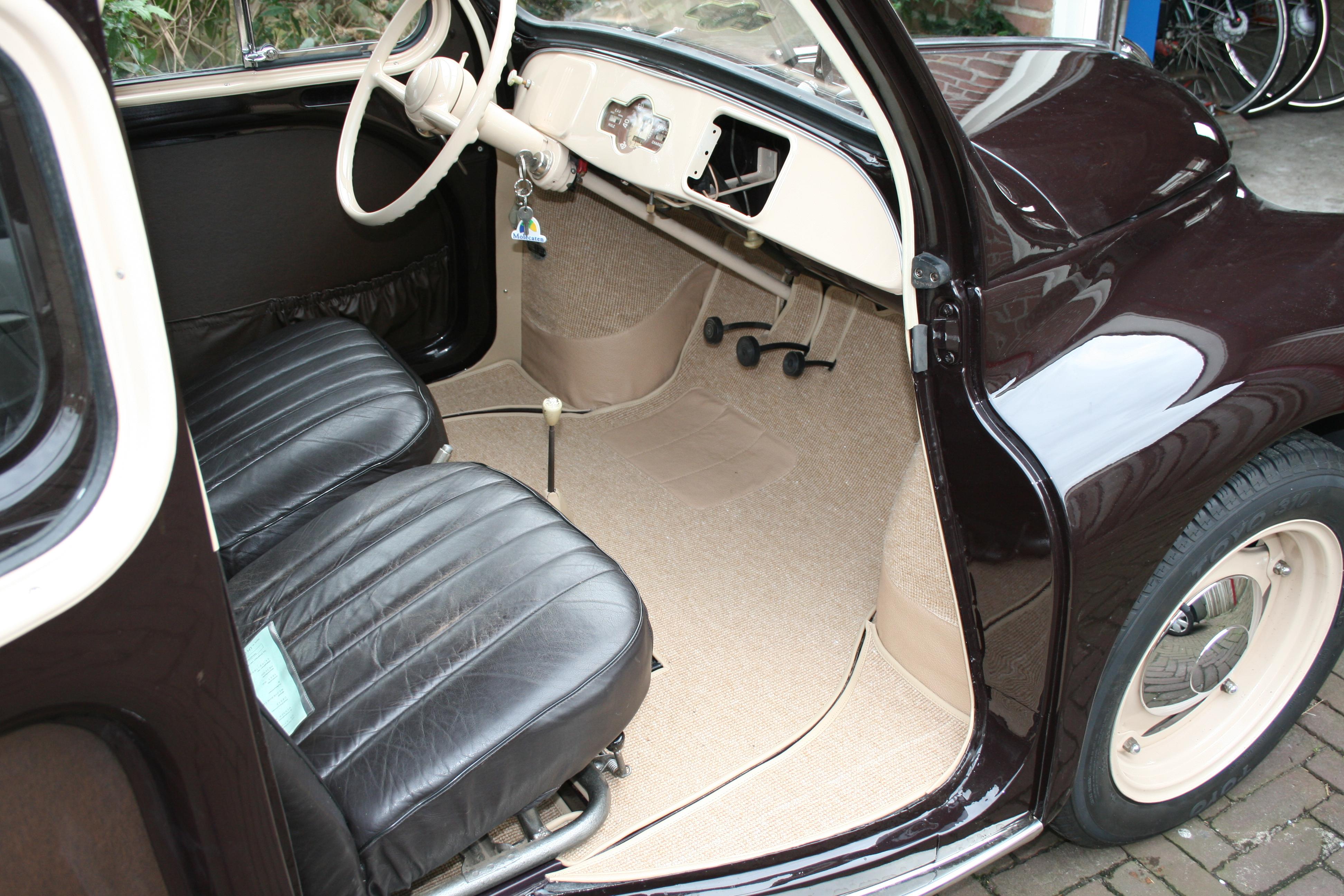 Kap en interieur renault 4cv for Auto interieur spuiten